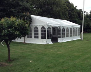 Komplet 9*18 m telt med gulv.  (8,5*18 m gulv) 1 / 1
